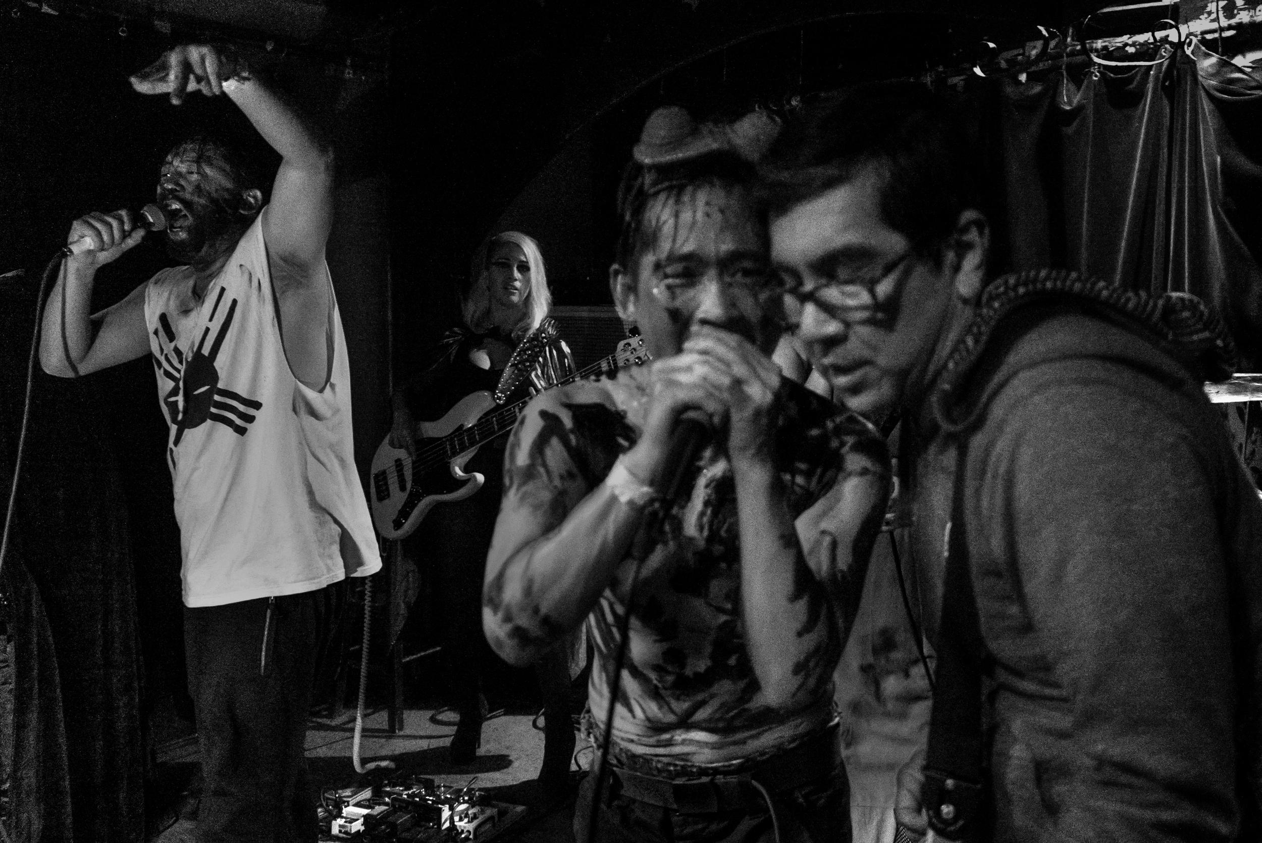 david-choe-mangchi-under-the-cobbletones-lulu-east-coast-tour-2016-tour-live-music-20.jpg