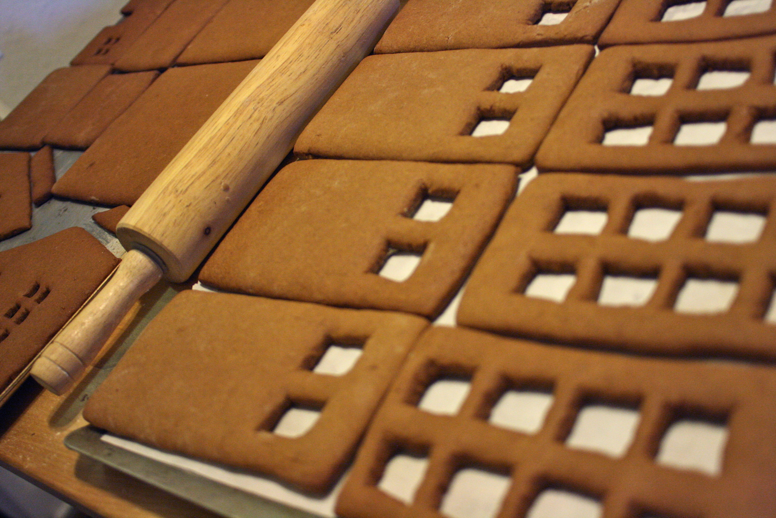tardis gingerbread house template  How To: Build Your Own Gingerbread Tardis — Sugared Nerd