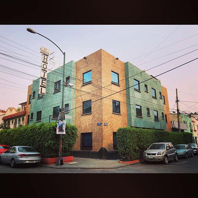 El Paraíso • #streetphotography #streets #artwork #streetstyle #arquitecturaydiseño #dope #vsco #vscocam #vscogram #streets #cdmx #filmmaker #walking #director #filmmaking #latin #mexicocity #df #calles #ciudad #roma #amarillo #verde #hotel