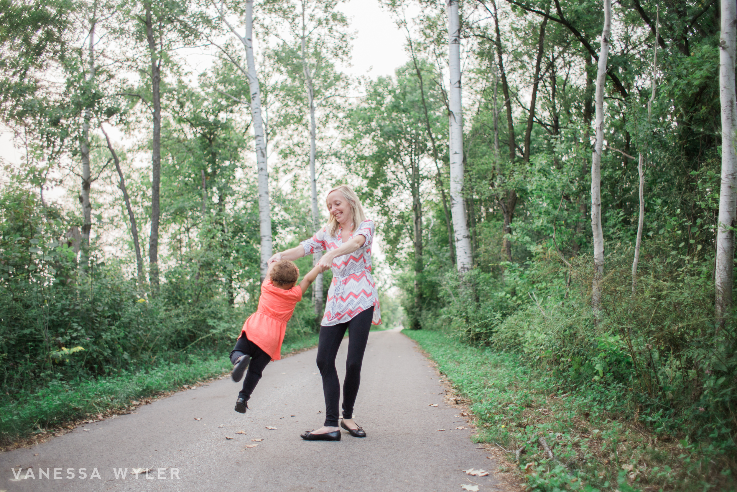 mommy and me pewaukee photographer vanessa wyler