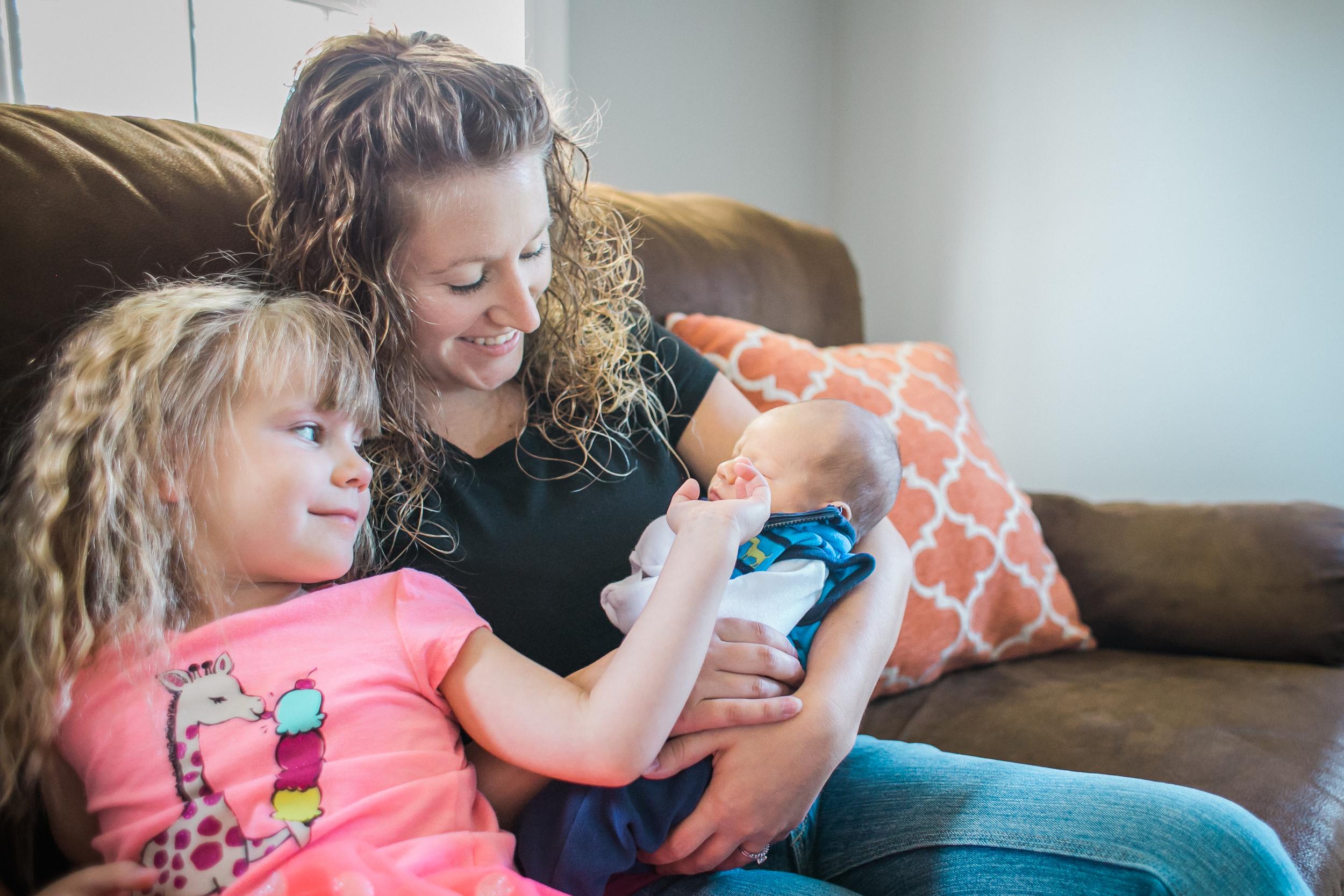 vanessa wyler newborn lifestyle photography wisconsin