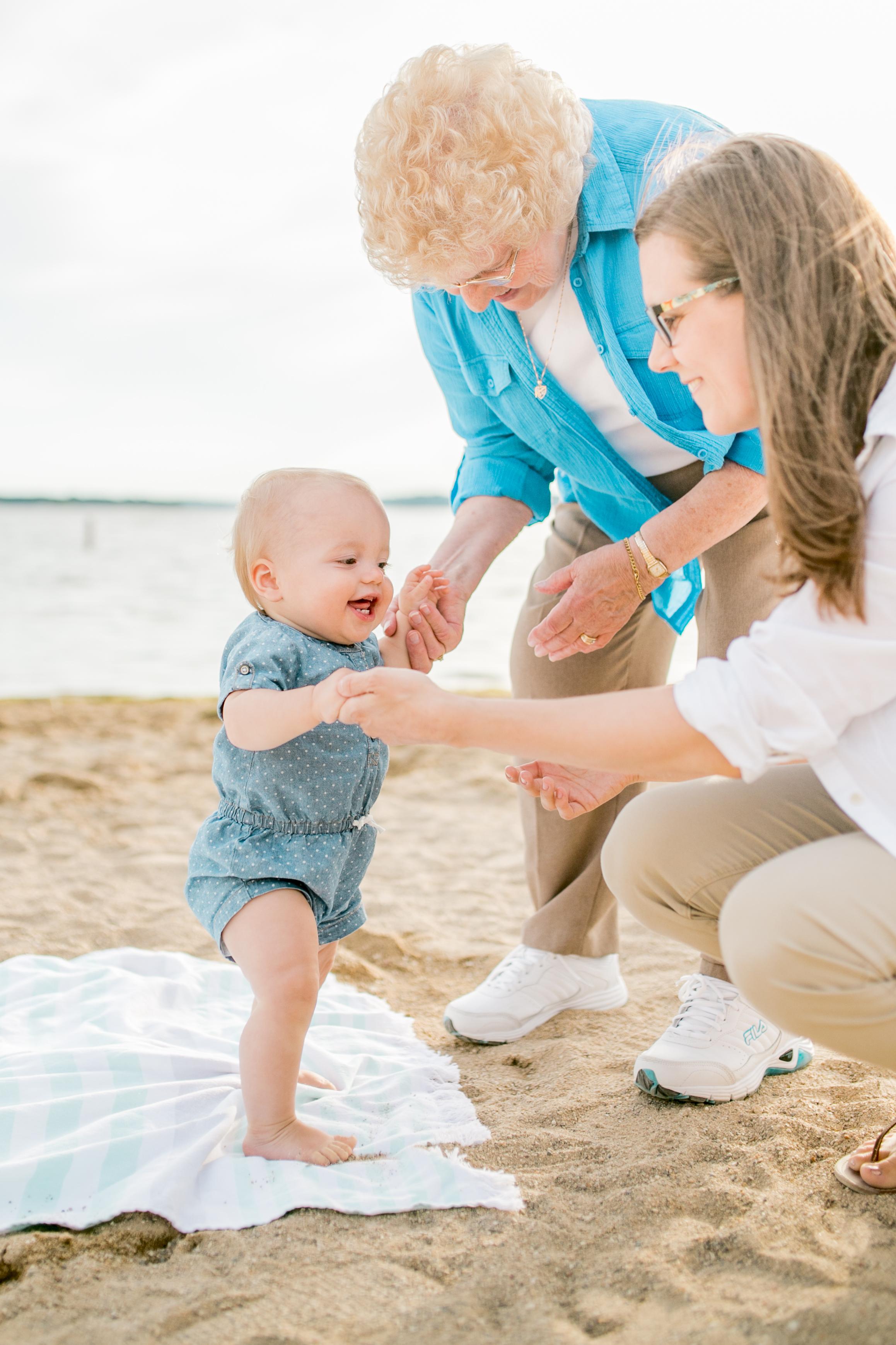 Vanessa Wyler Pewaukee Beach Photography Ice Cream Family Photos Photoshoot