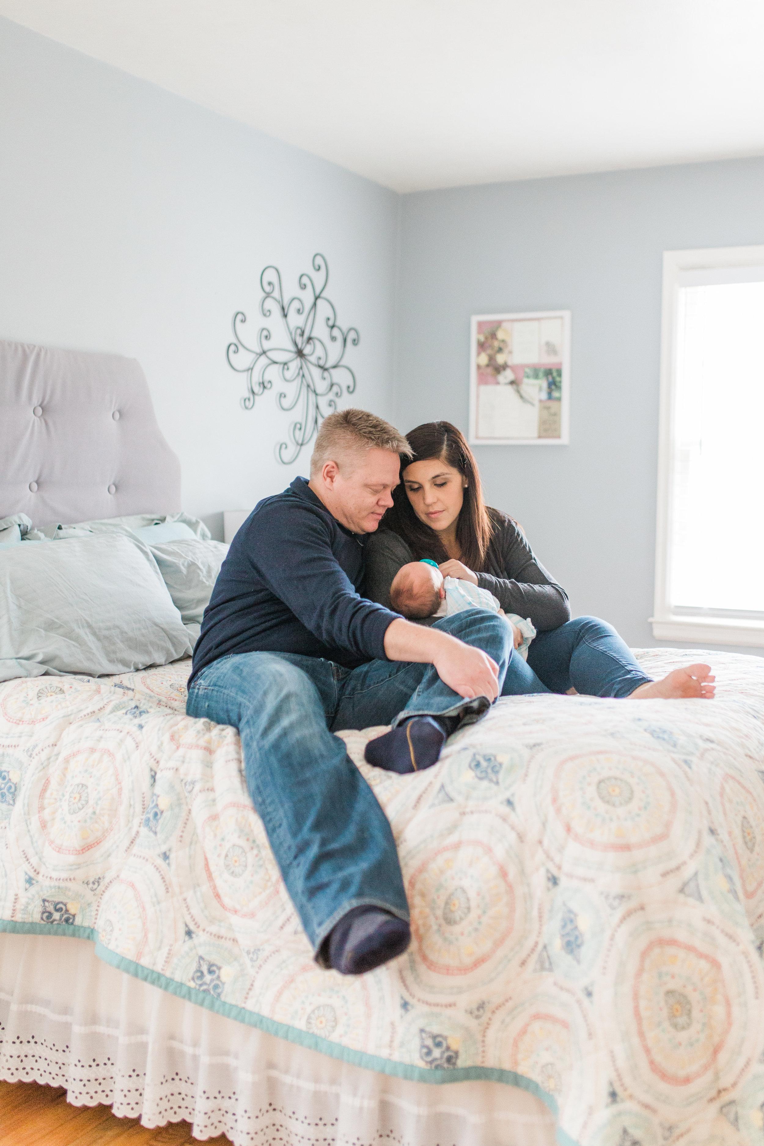 vanessa wyler lifestyle in home newborn photography waukesha milwaukee