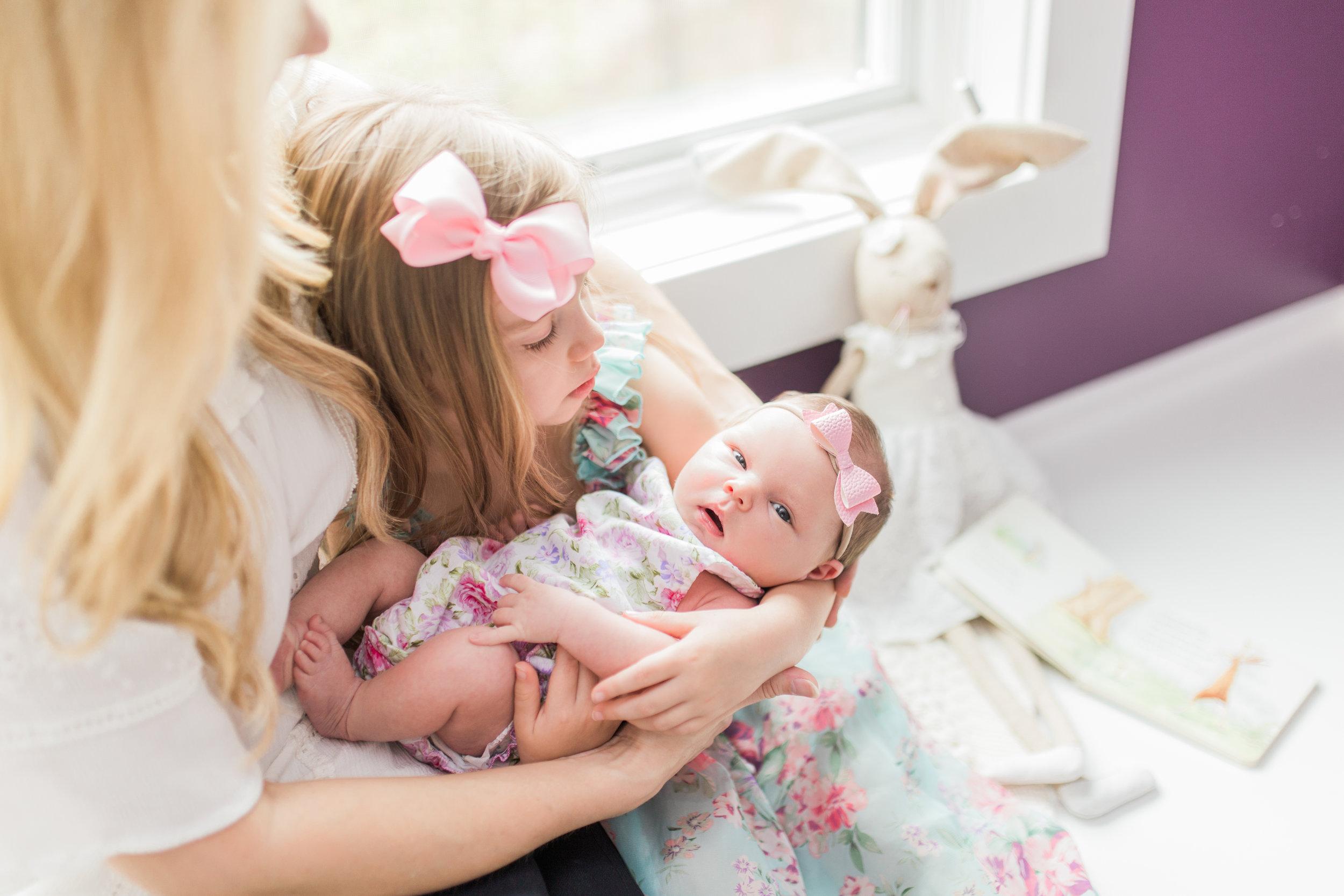 vanessa wyler newborn lifestyle in-home photography hartland pewaukee wi