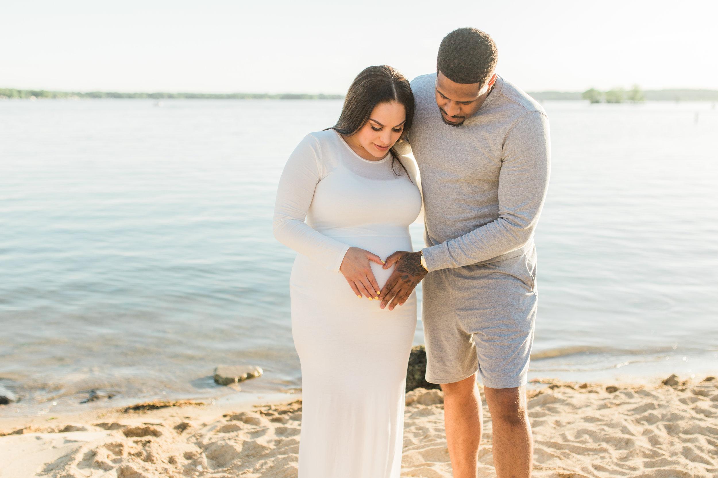 vanessa wyler photographer maternity beach pewaukee