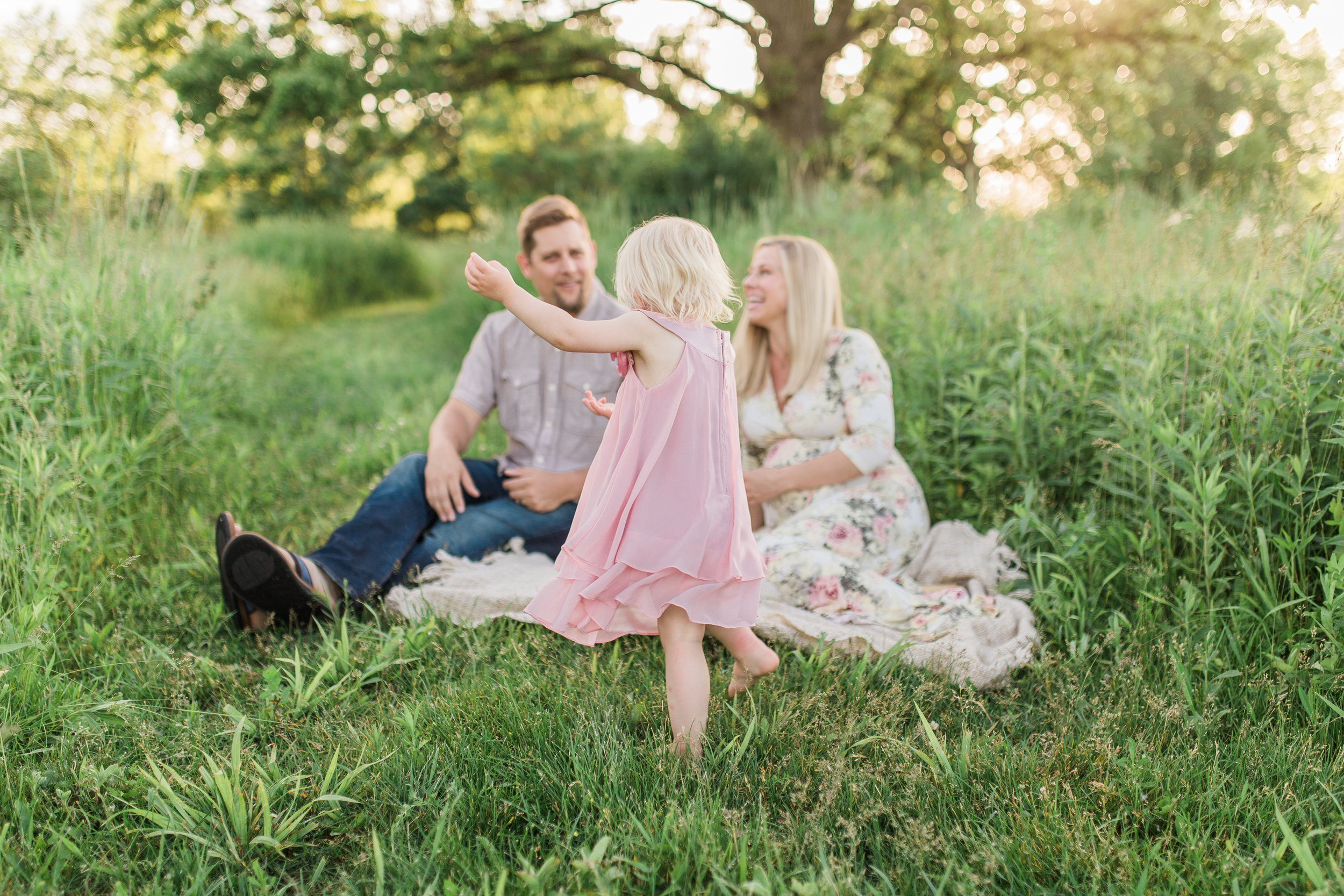 vanessa wyler maternity photography brookfield waukesha wisconsin sunset