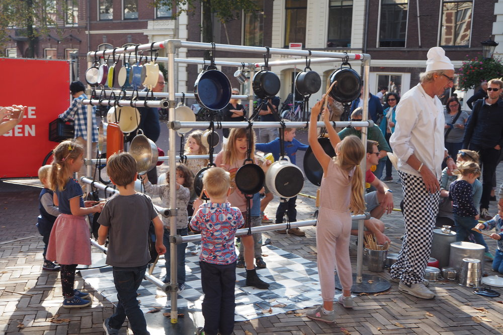 Children play in Utrech