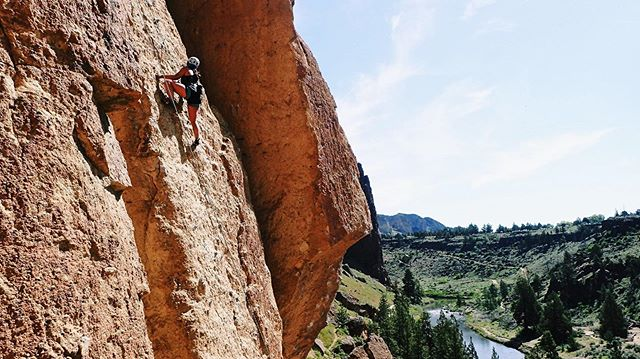 """""""I felt my lungs inflate with the onrush of scenery— air, mountains, trees, people. I thought, 'this is what it is to be happy'"""" -Sylvia Plath  She Rocks member Catalina, pictured at Smith Rock and the Exits. What joy are you chasing this weekend?! (I know Sylvia Plath is a weird quote to pick for joy... but hot damn am I tired of John Muir quotes. Women adventure too. Women write about the outdoors. Let's more women's words as the go-to quotes!!! Who is your favorite outdoor writer? I love @charlotteaustin - posted by Alexis)  #sherocks #shewrites #sheclimbs #heyflashfoxy #womenwhoclimb #womenwhowrite #friyay #weekend #smithrocks #exit38 #northbend #pnw #womenofthepnw"""