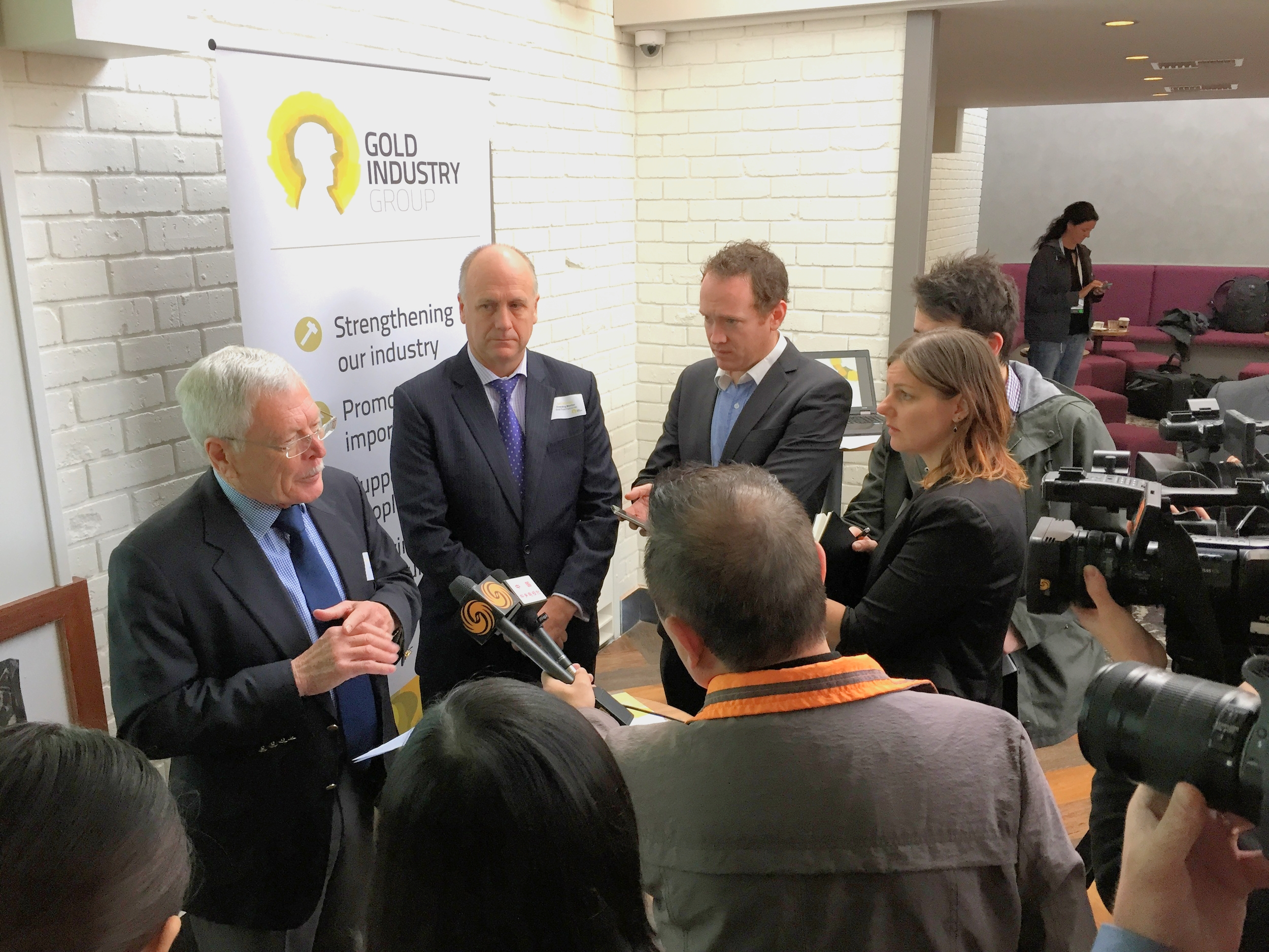 Chairman Norman Moore and Gold Road Resources Ian Murray talk to the media about the new Gold Industry Group.