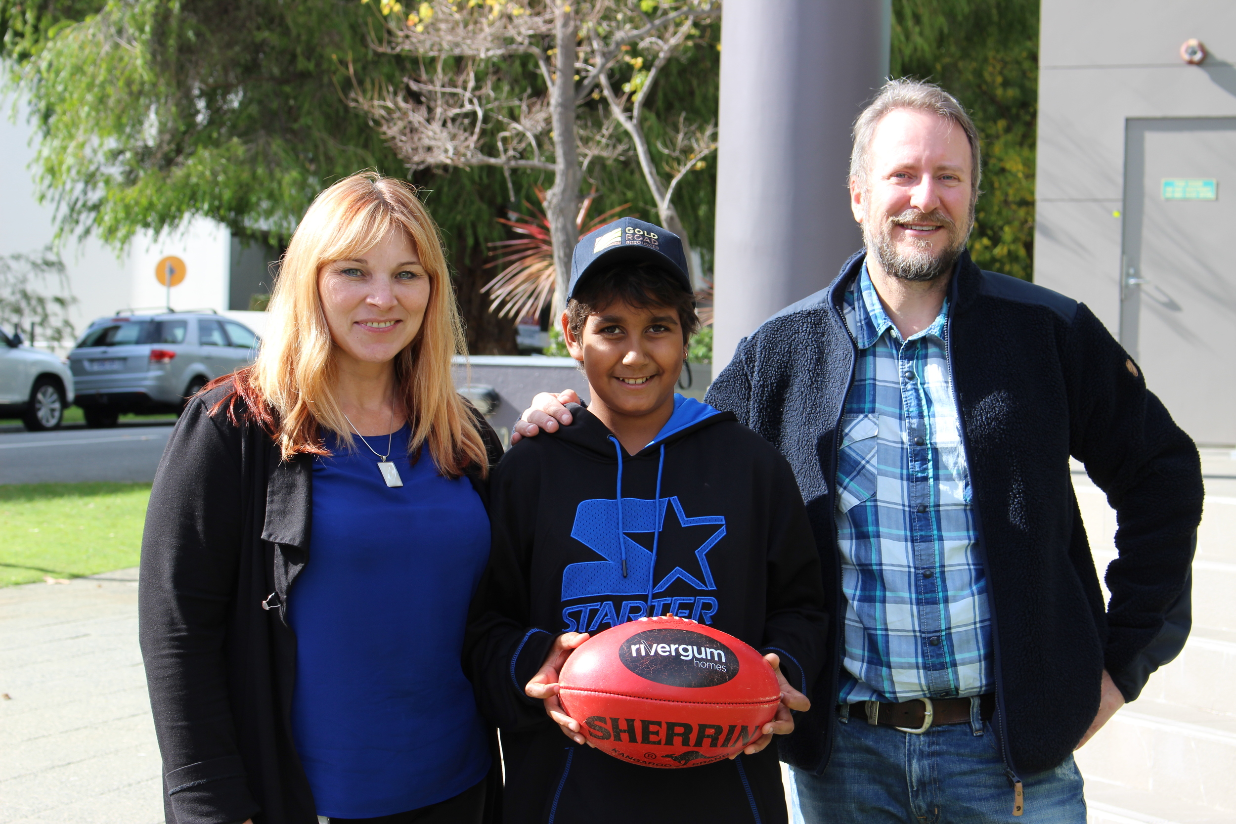 Kayshun Murray with  Gold Road General Manager Corporate  Sharon Goddard and  Gold Road Executive Director  Justin Osborne,