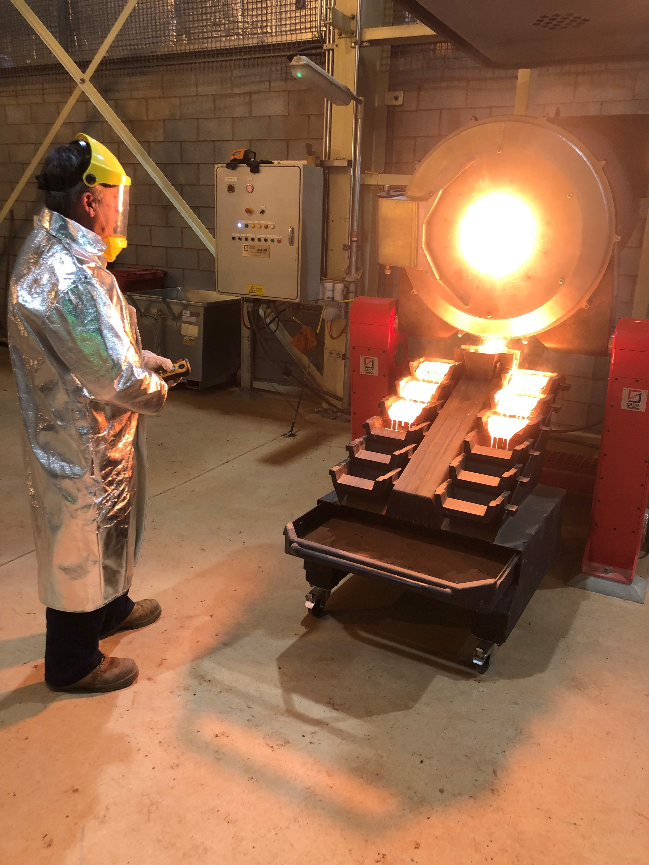 First gold pour at Gruyere