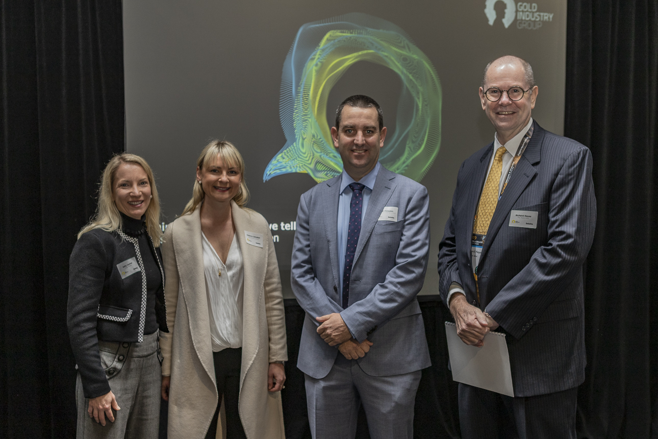 (L-R) Gold Industry Group Director and Gold Fields VP Legal and Compliance Kelly Carter, Gold Industry Group Executive Officer Rebecca Johnston, Saracen Mineral Holdings Managing Director Raleigh Finlayson, with Gold Industry Group Chairman and Perth Mint CEO Richard Hayes.