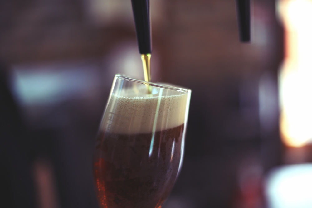 Beer+pour+Close.jpg
