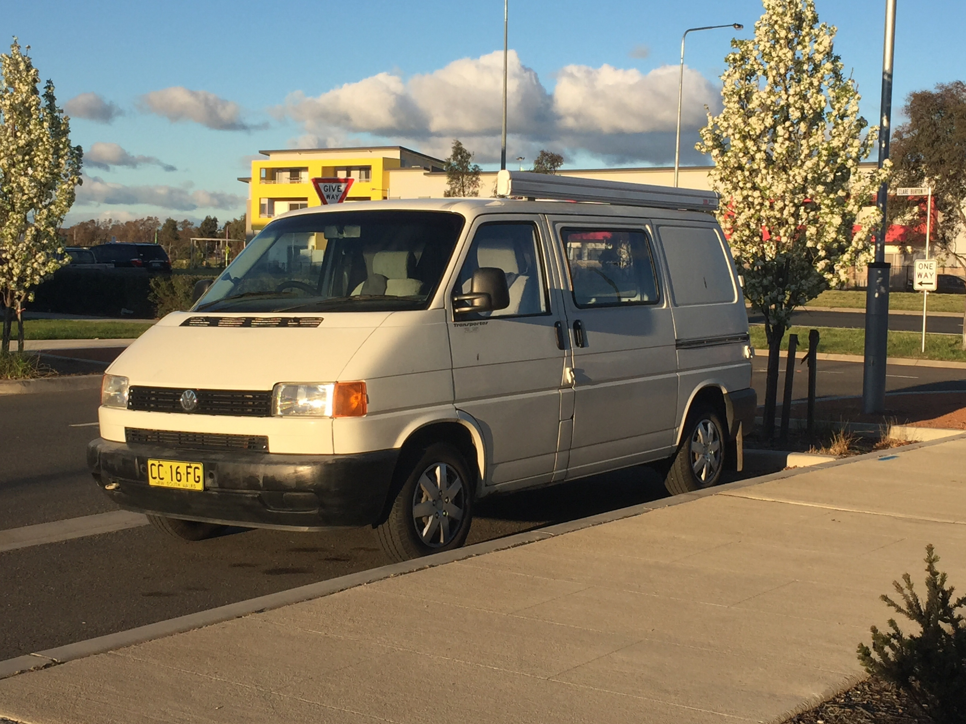 Van featuring its new F45 FIAMMA awning