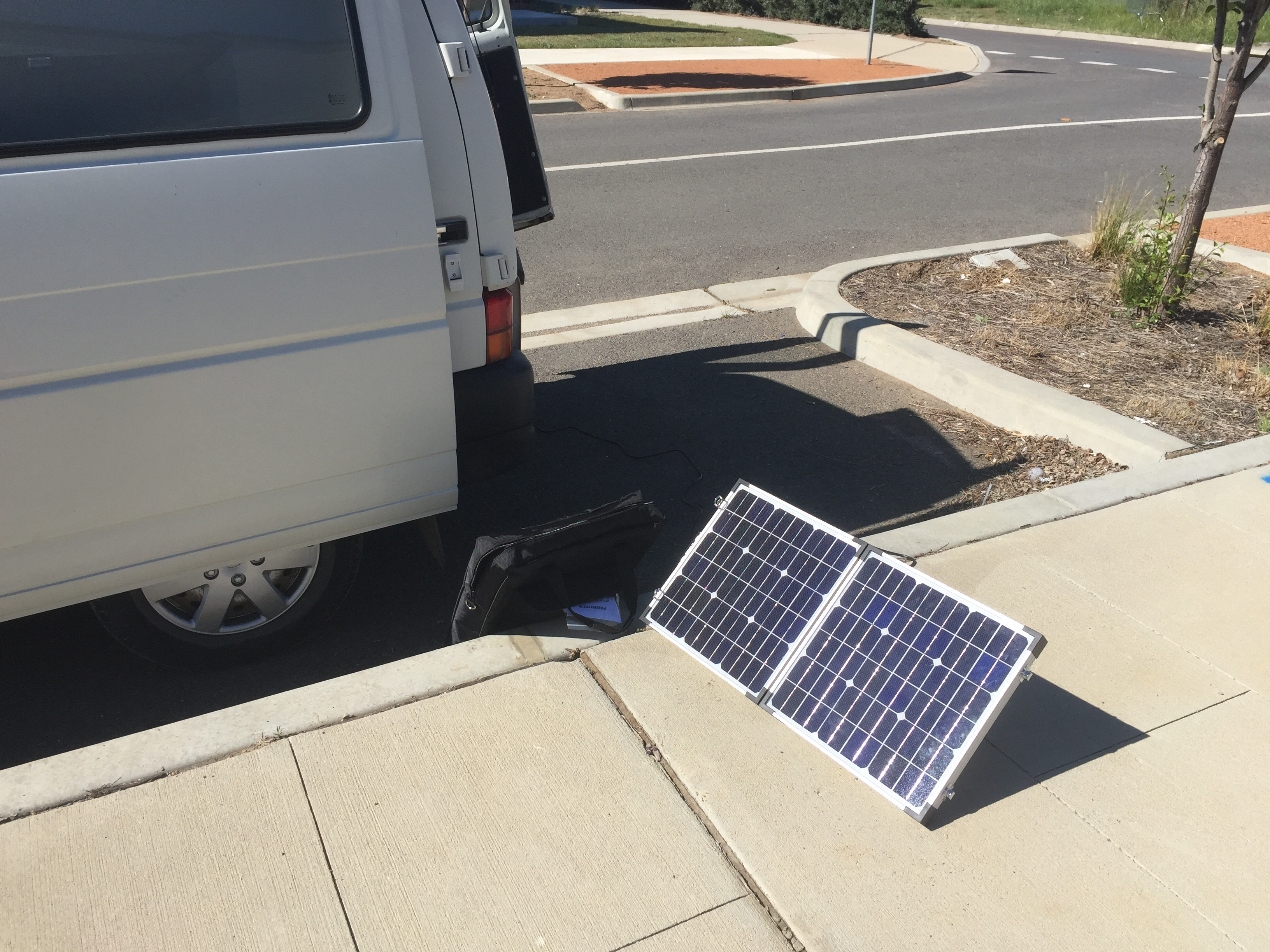 External panels (40w) allow the van to be parked in the shade