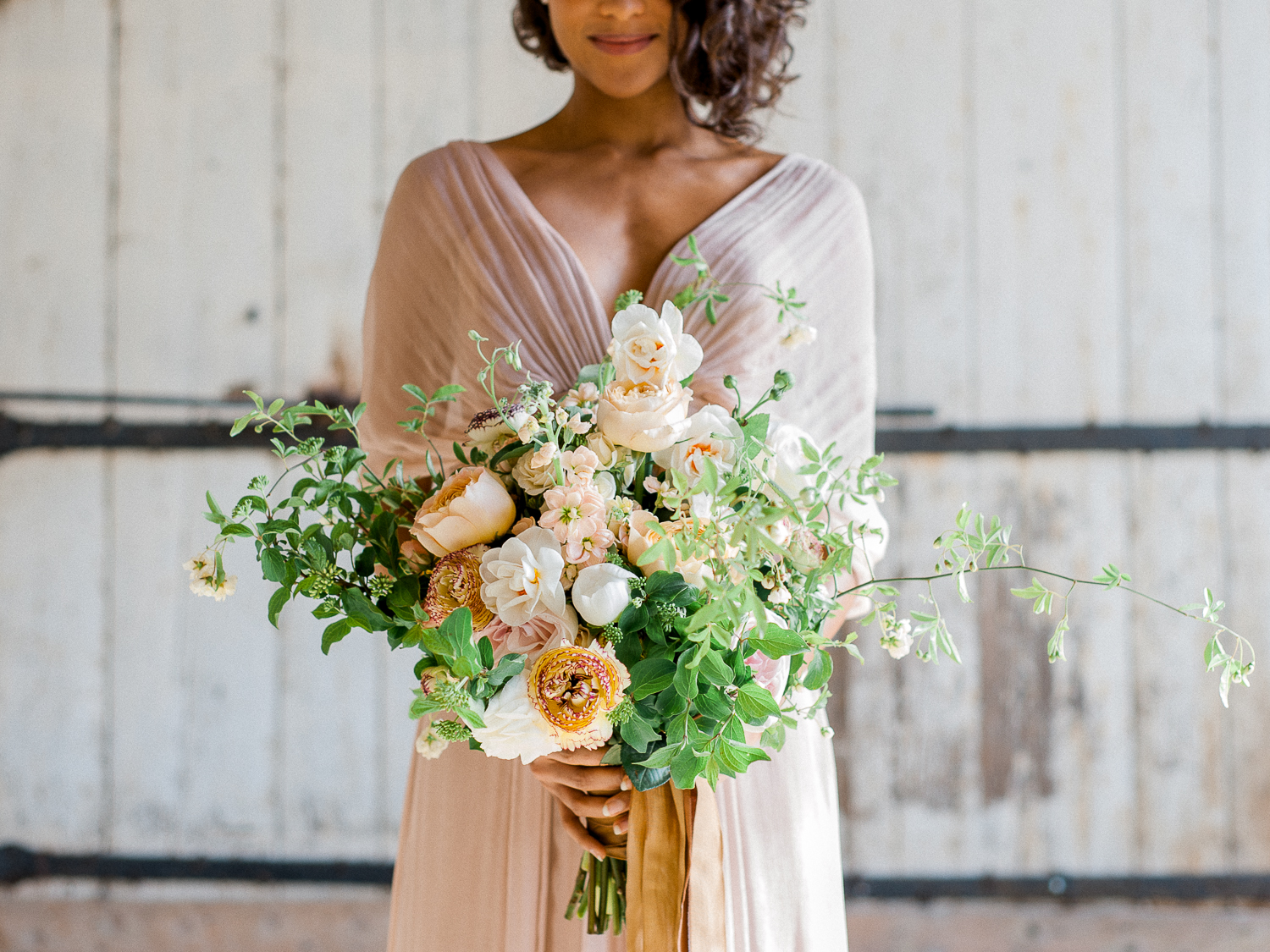 Beautiful wedding bouquet with silk ribbons by Laetitia Fleurs d'atelier