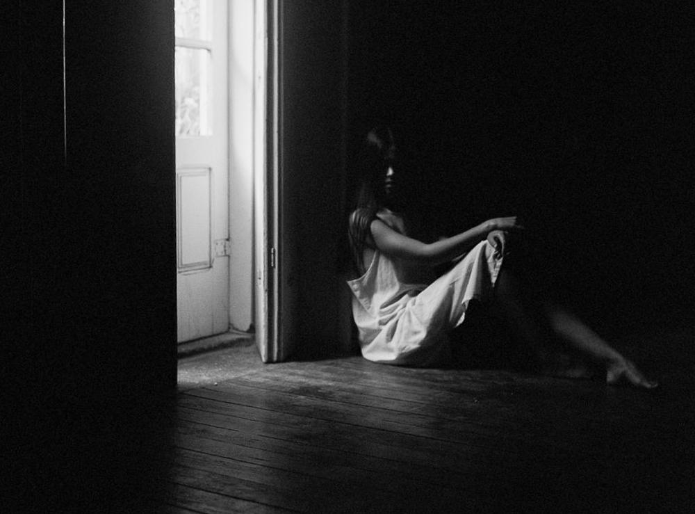 ©celine-chhuon-black-and-white-editorial (31).jpg