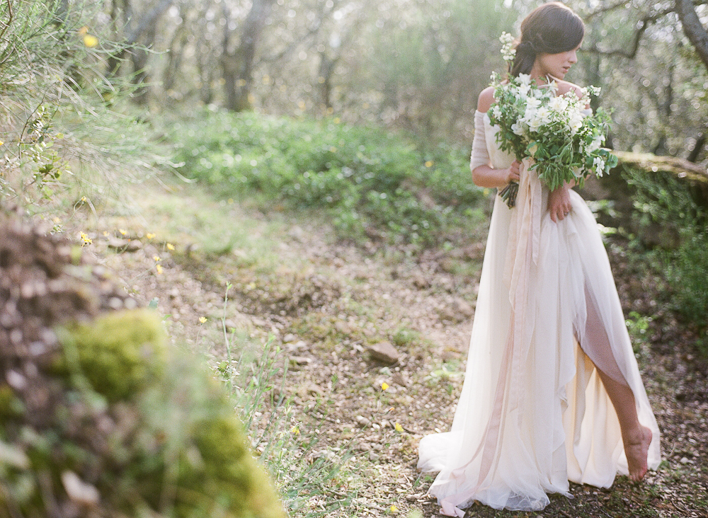 Barefoot Bride in Provence | French Wedding Photographer ©Celine Chhuon