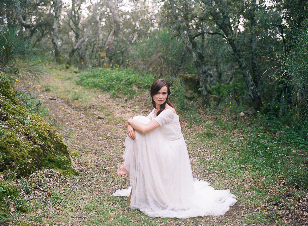 Barefoot bride in the woods ©Celine Chhuon