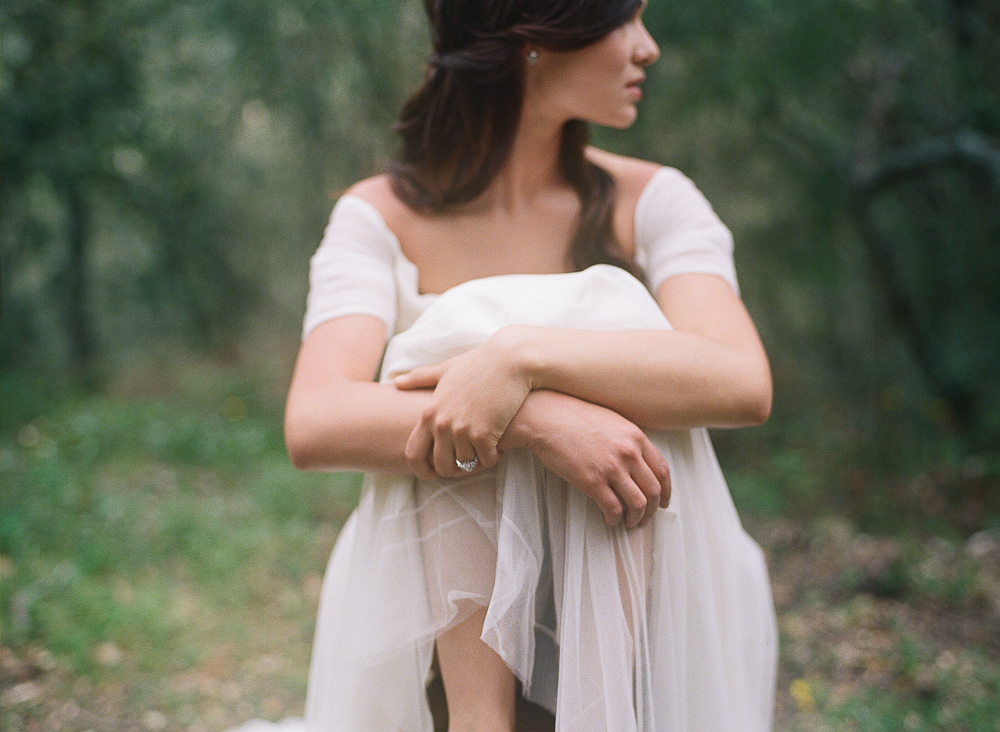 Barefoot Bride in Provence ©Celine Chhuon French Wedding Photographer