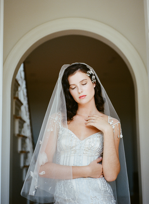 ©-celine-chhuon-Mariage-robes-Claire-Pettibone-gothicangel (20).jpg