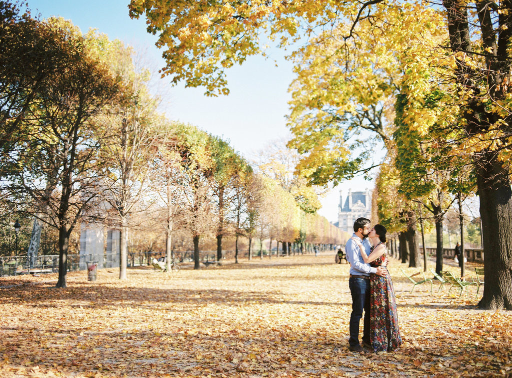 parisian_autumn_engagement_tuileries_garden (49).jpg