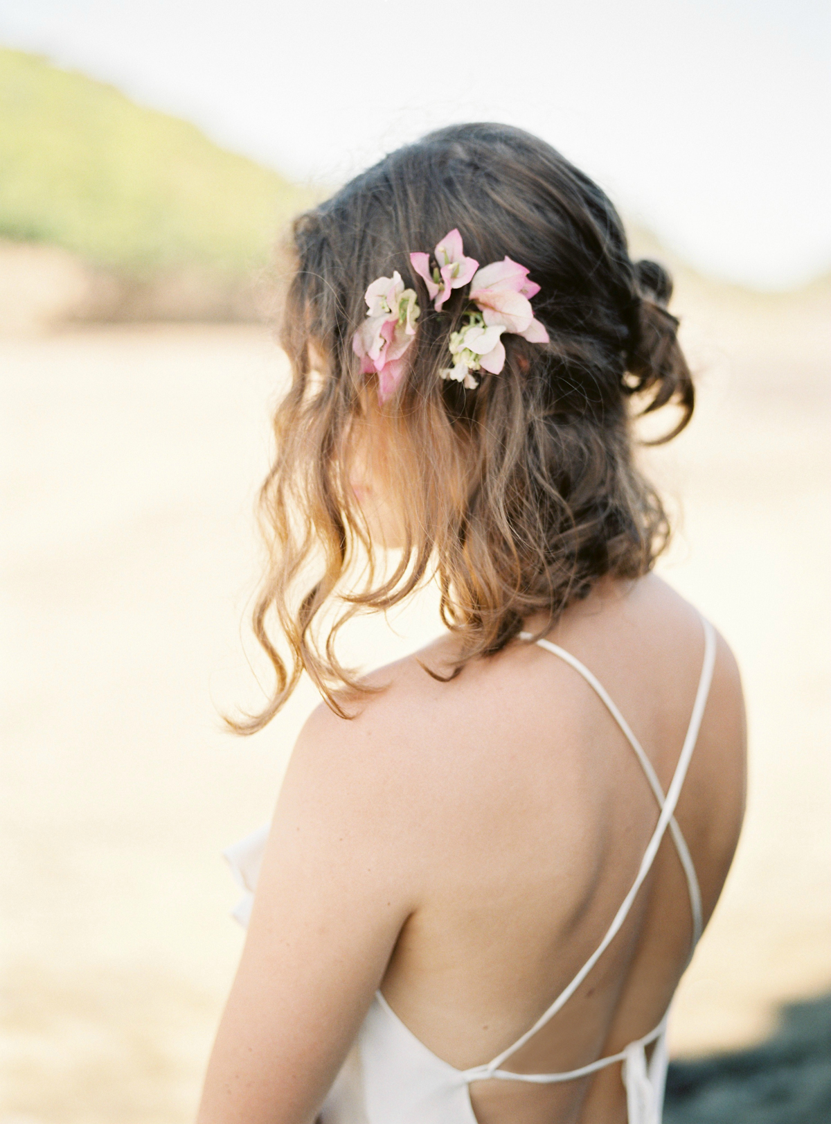 Simple organic wedding hair for beach wedding