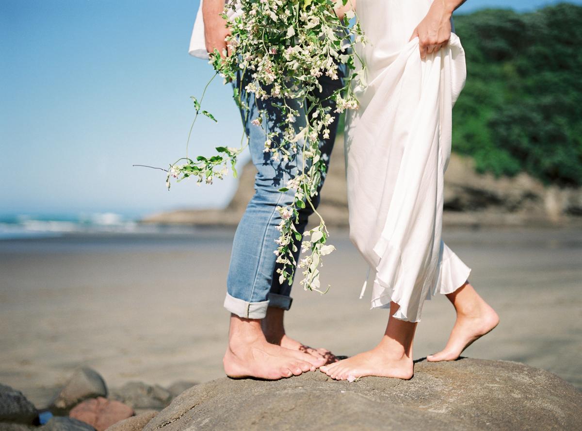 Wild bridal bouquet for organic weddings