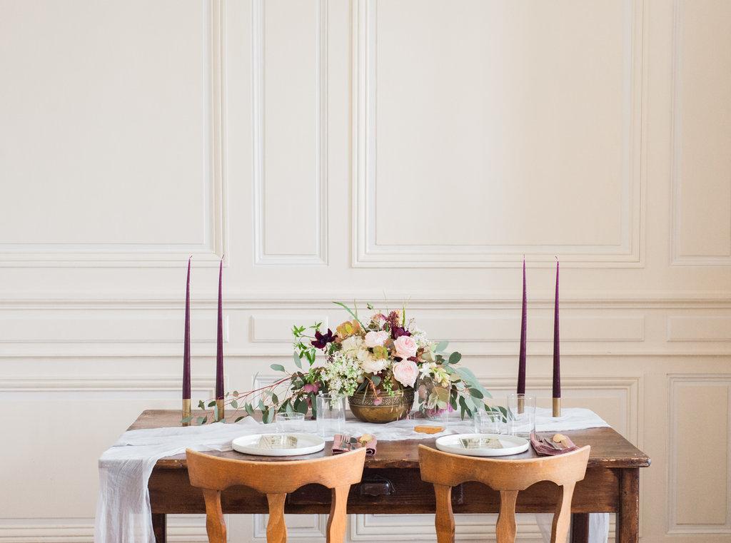 Modern wedding table for intimate weddings