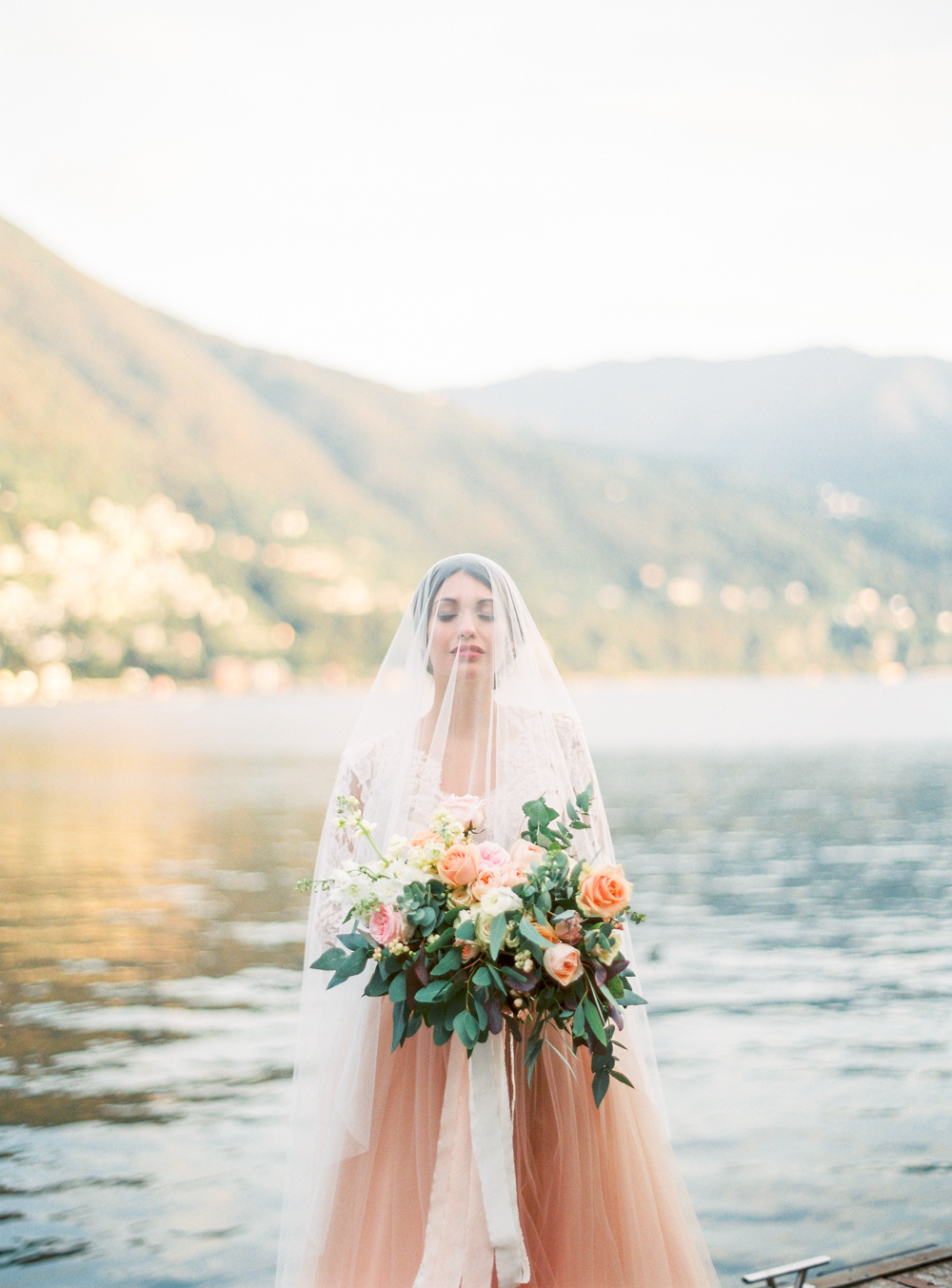 Lake Como intimate wedding photographer
