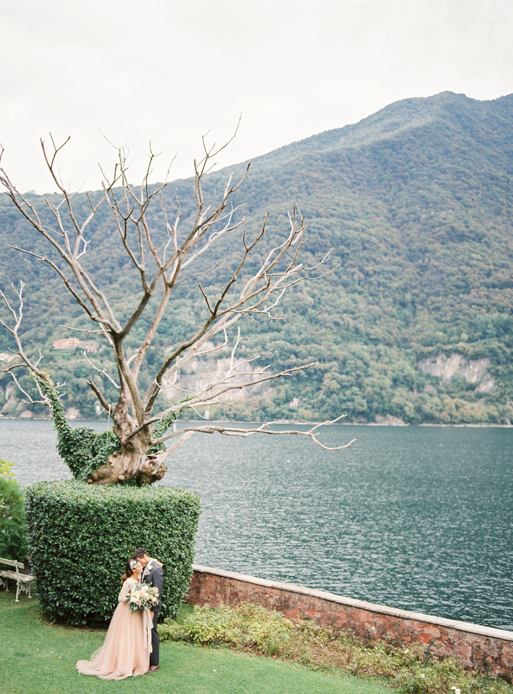 Iconic wedding location in Lake Como