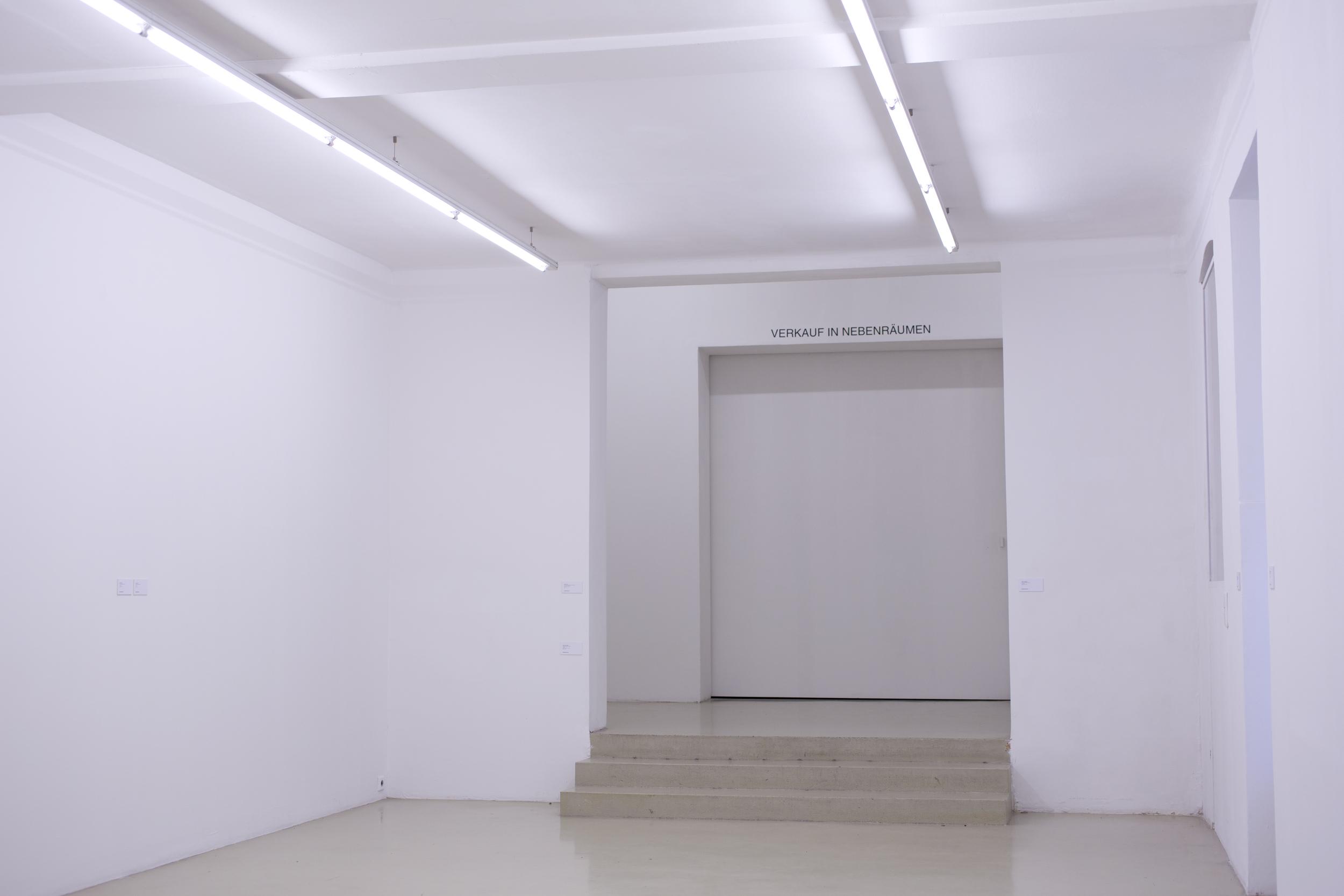 Krinzinger Projekte, Ausstellungsansicht, Verkauf in Nebenräumen, 2015. Foto: Jasha Greenberg.
