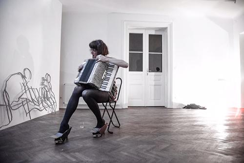 Adam Christensen´s outstanding performance during opening (song-texts by Matthew Dickman) Photo: Francisco Peralta Torrejón