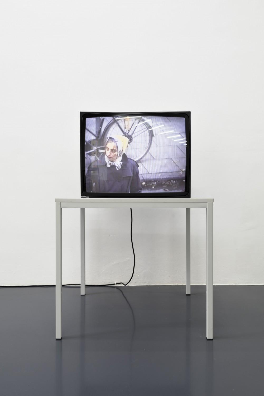 Heimo Zobernig, Videoedition für Texte zur Kunst, 1991, Video (color and sound), 30:00min, Courtesy: Galerie Emanuel Layr