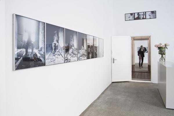 Exhibition View, Galerie Elisabeth & Klaus Thoman, curated by_Michael Scott Hall, 2012, Photo: Lena Kienzer