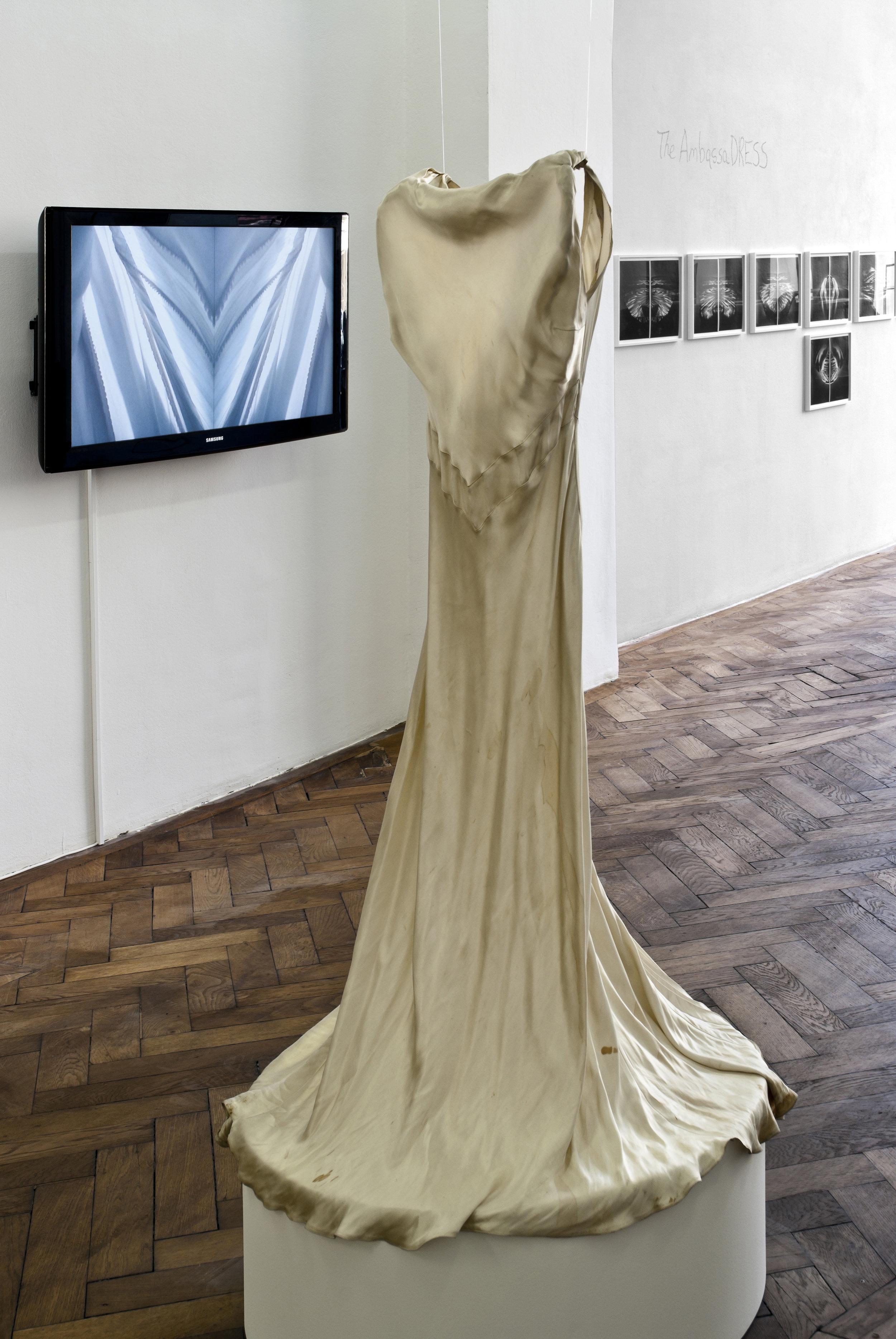 Exhibition View, Galerie Hubert Winter, curated by_Derya Yücel, 2011, Photo: Karl Kühn