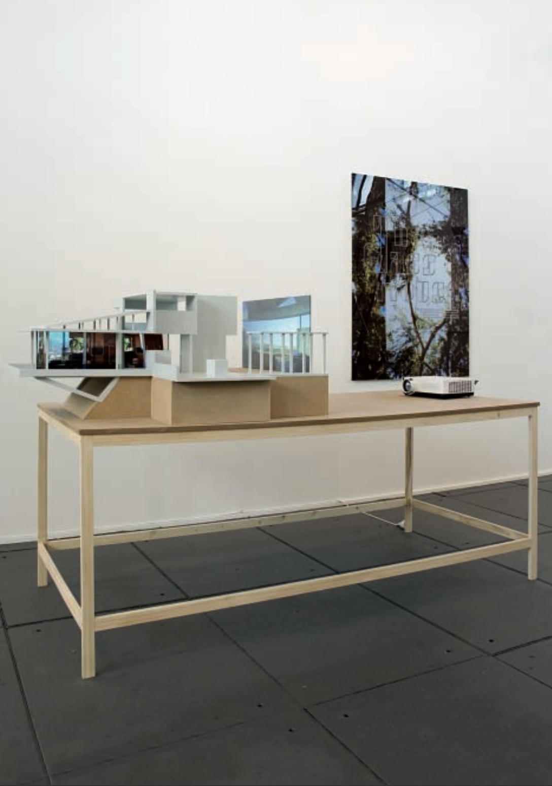 Galerie Grita Insam, Drawn to Architecture, curated by_Amy Yoes, 2010, Karina Nimmerfall, The Glass House, 2009