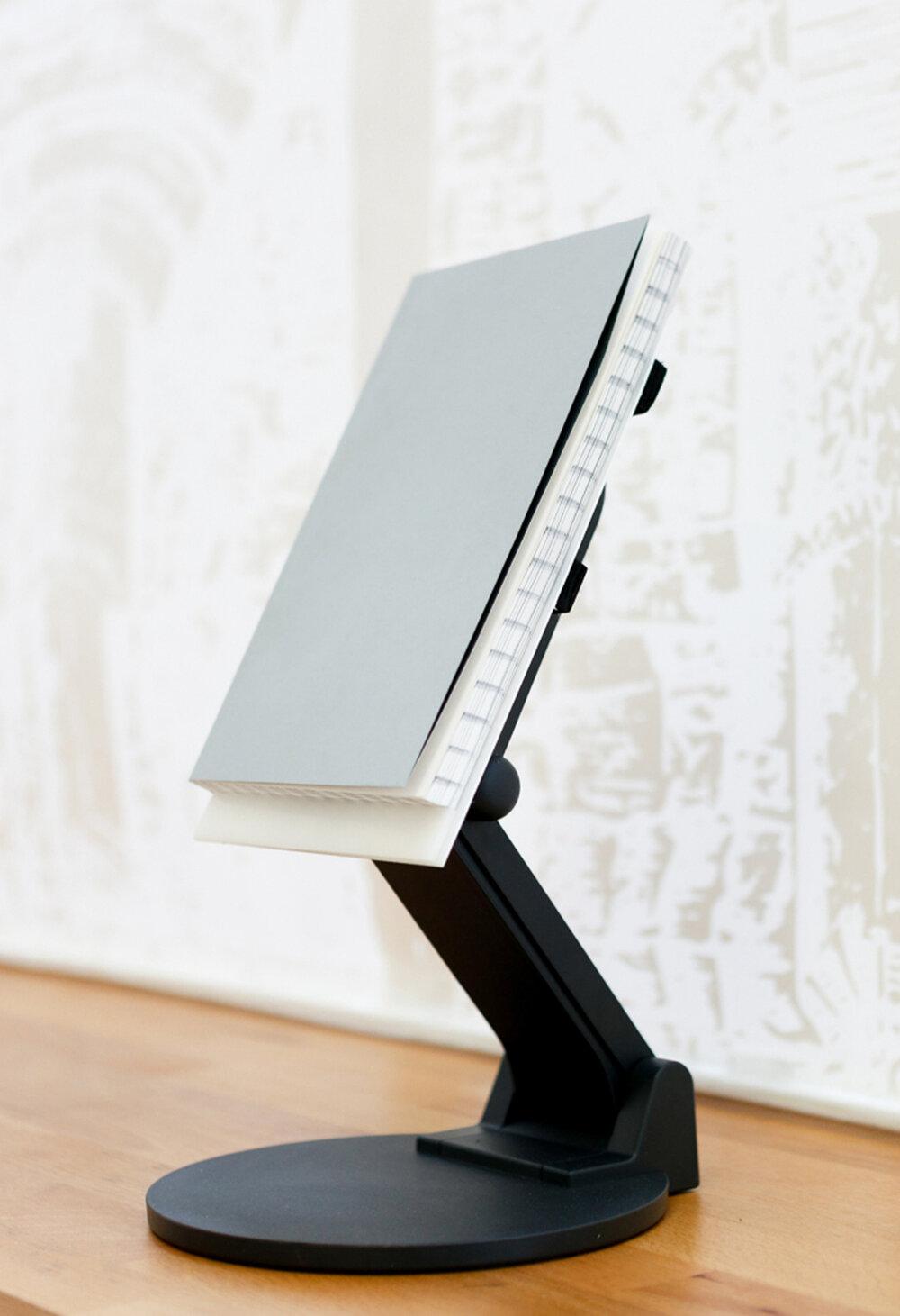 16 - Galerie Raum mit Lichtcurated byInstitut für Betrachtung