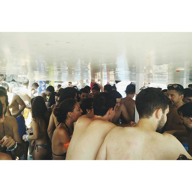 Archi Boat Party, the team had a blast!  #peritidoitbest #boatparty #summer #malta #archistudent #fun #sea