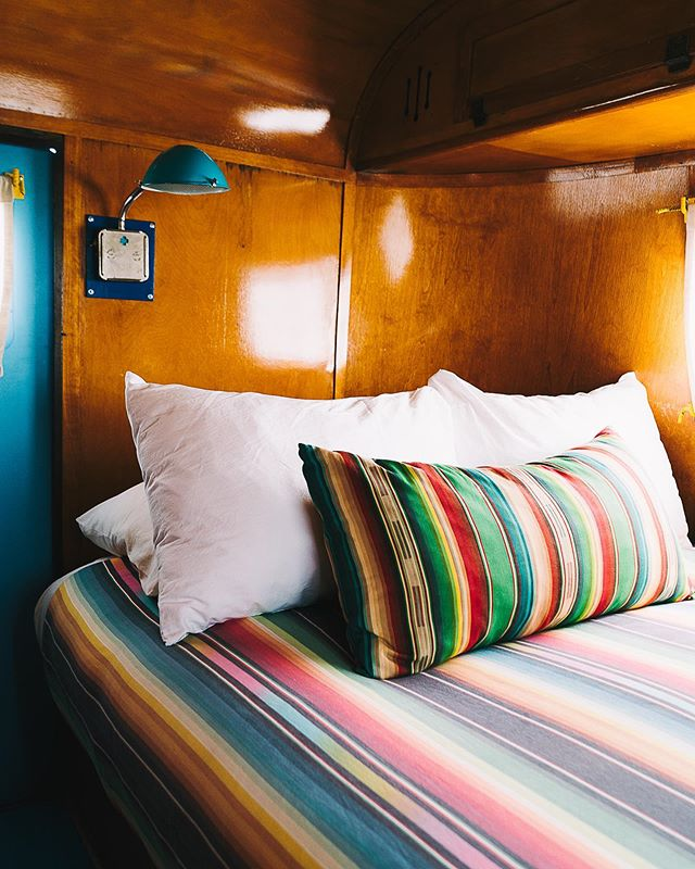 We dream of our head hitting that pillow too. It's a common phenomenon around here. Have you booked your stay at #ElCosmicoMarfa yet? 📷: @jackieleeyoung #bunkhousehotels #elcosmicomarfa #elcosmico