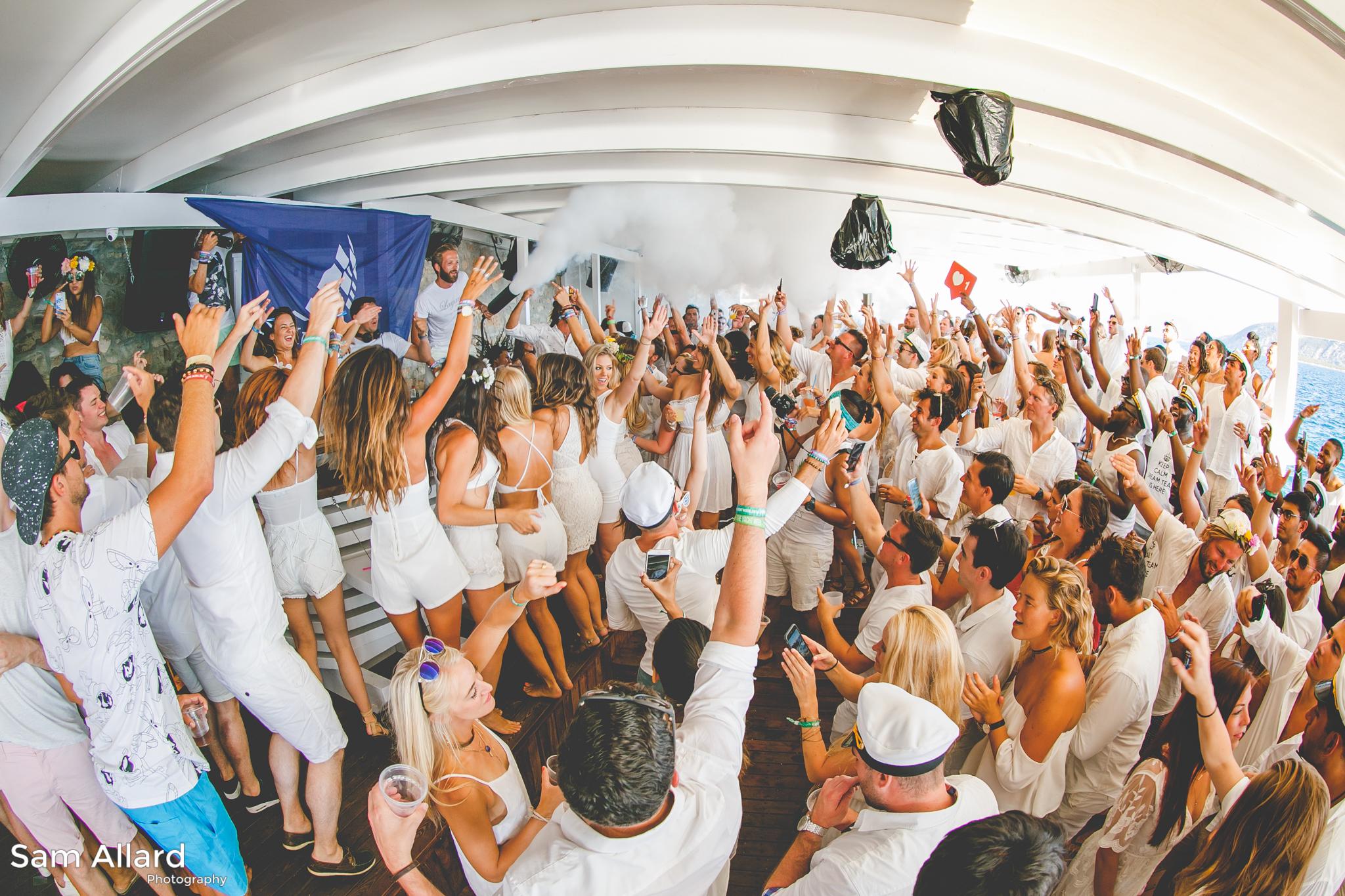 SamAllard_YachtWeek_Week33_350.jpg