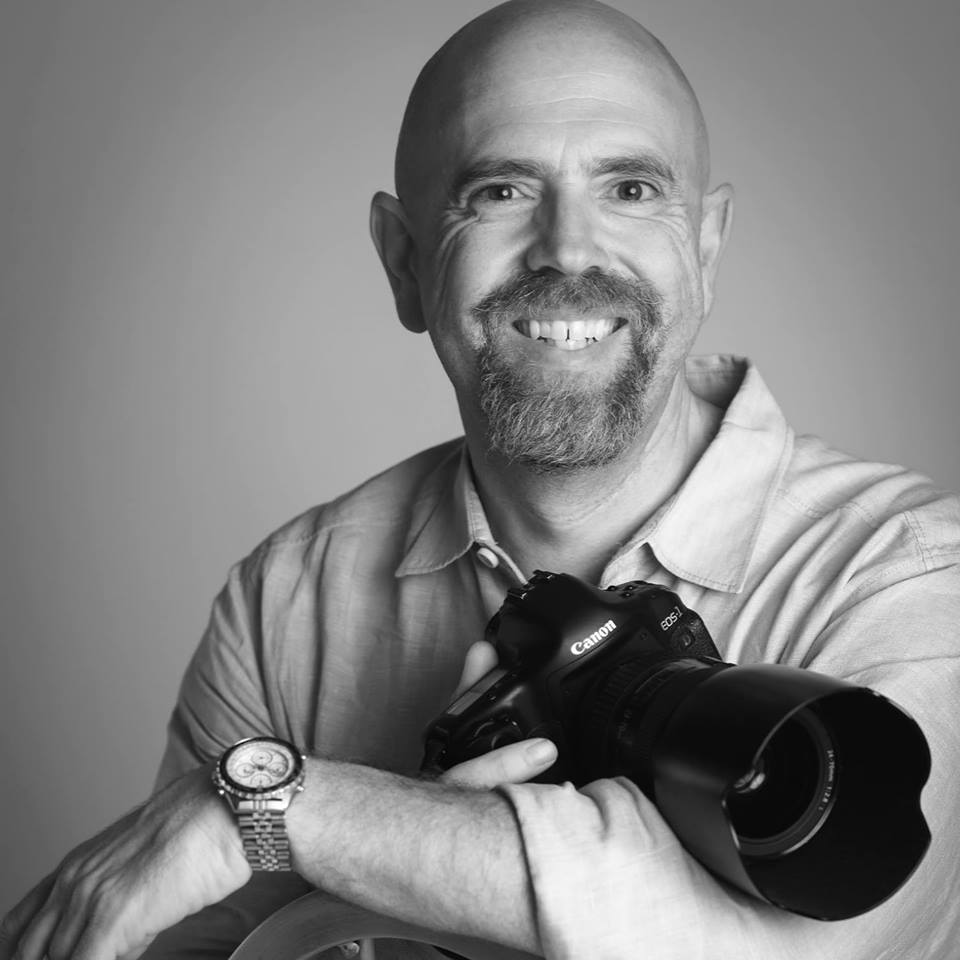 R.Eric Dawson  Co-Editor/Fashion Photographer   eric@digital-salsa.com
