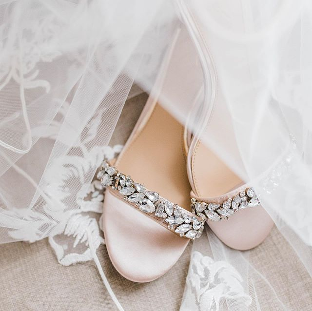 Even the smallest details of a wedding day leave me with all of the heart eyes😍