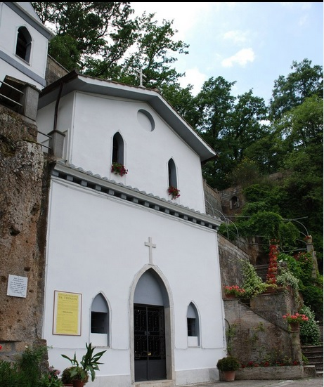 chiesa trinità.jpg