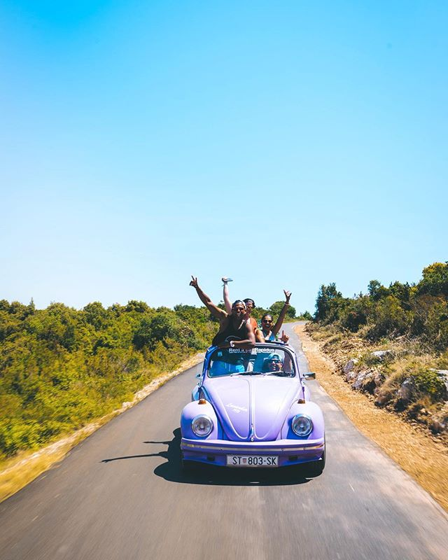 Bug Squad going! The best way to see Vis Island with @theyachtweek 👌🇭🇷☑️❤️ #vwbeetle #beetle #vis #croatia #squadgoals