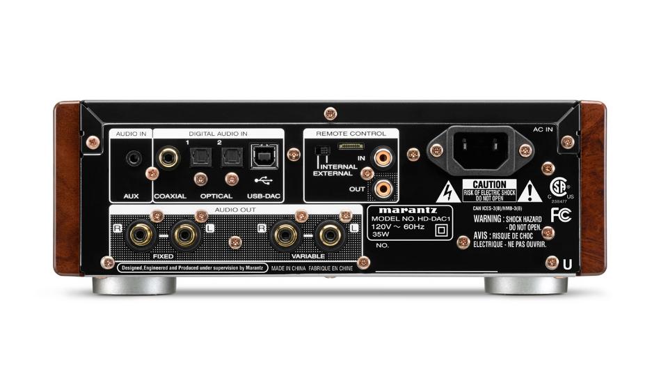 Panel de corriente,inputs y outputs.