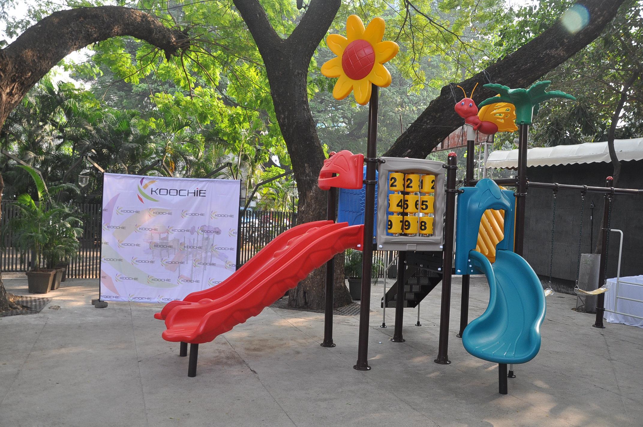 Koochie_Play_Systems_outdoor_playground_equipment.jpg