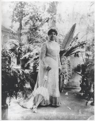 Queen Lili'uokalani on the lanai,1913  L.E. Edgeworth,   Bishop Museum