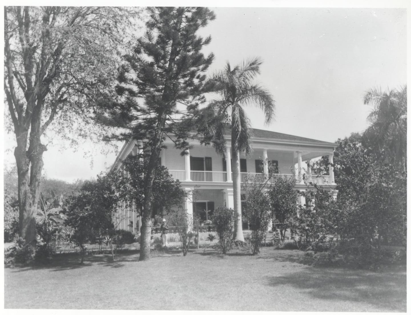 Exterior with guard.   Hawaii State Archives