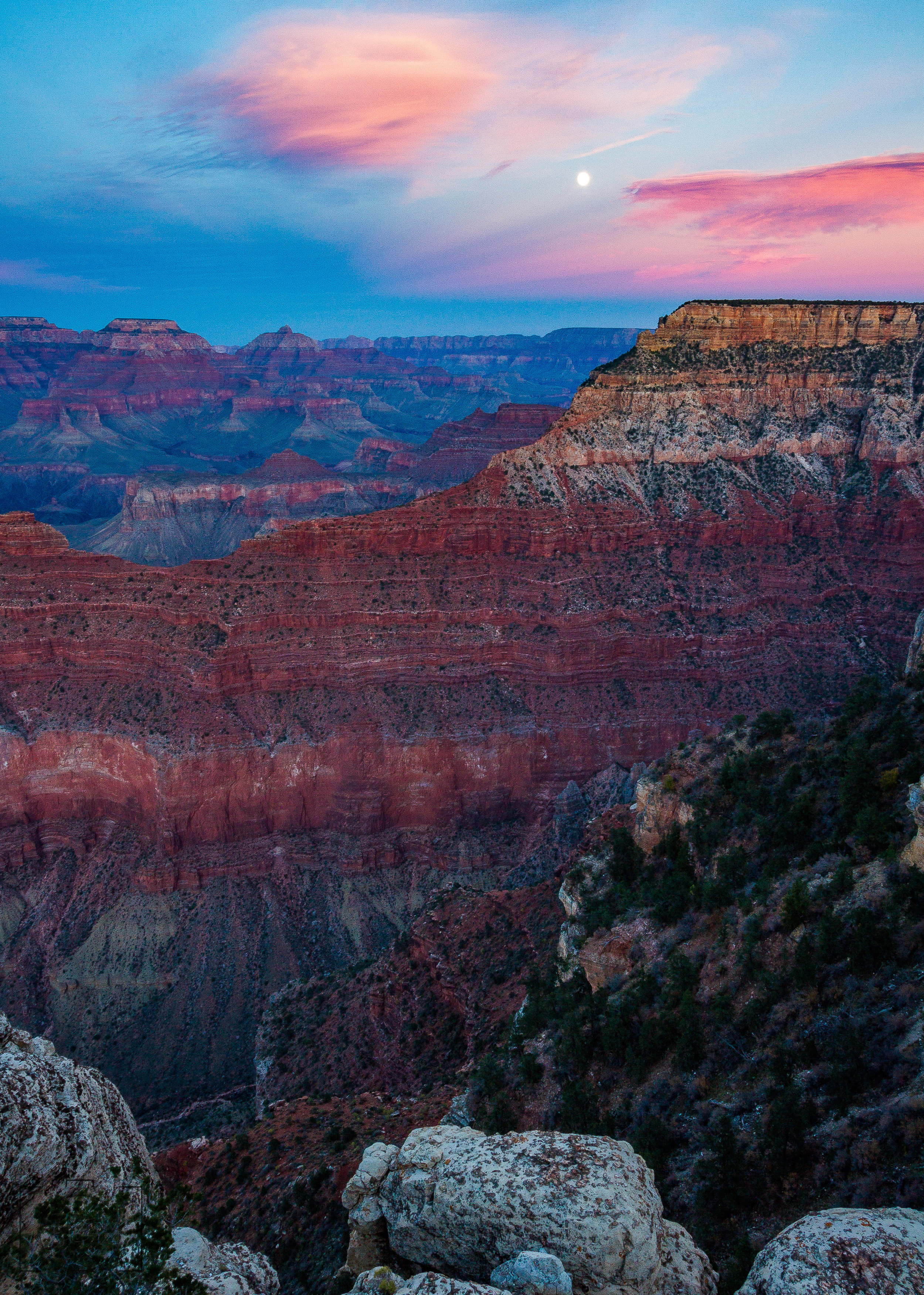 Moonrise over the Grand Canyon - Mather Point, South Rim